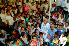 AMAL8490 (The kids with Samutkarsh with Sir, things are looking up for them for sure!!, Ahmedabad, Gujarat)